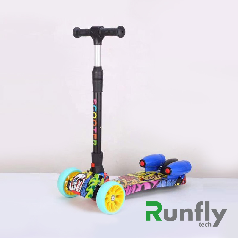 RUNSCOOTERS 3 wheels kids spray smoking fire scooters